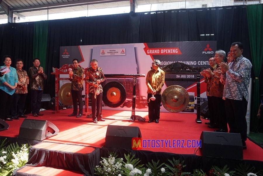 PT Krama Yudha Tiga Berlian Motors (KTB),