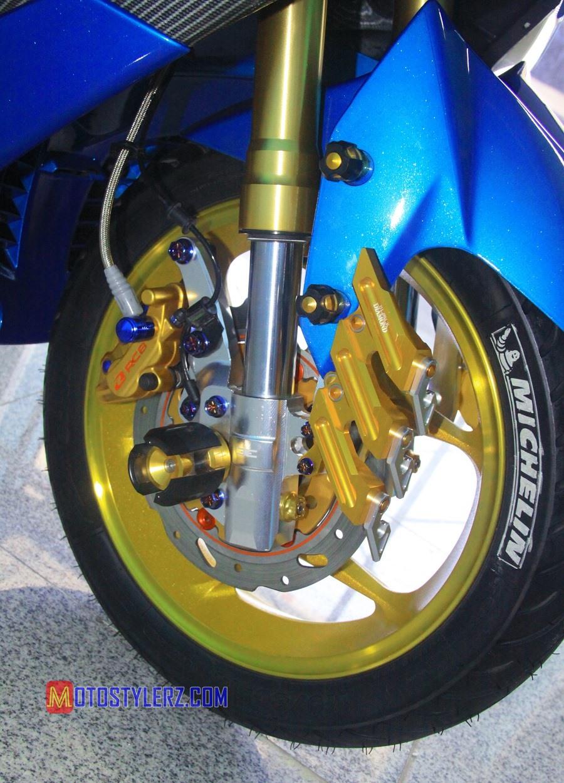 Modifikasi Yamaha NMax : Roda-Digambotin Pelek Axio
