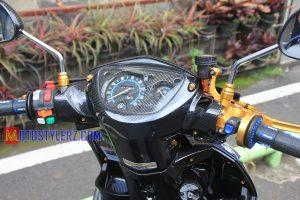 Modifikasi Yamaha Nouvo 2005 : Kedok-Trend Karbon Kevlar