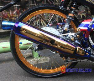 Modifikasi Yamaha Nouvo 2005 : Knalpot-Daeng 2 Tone