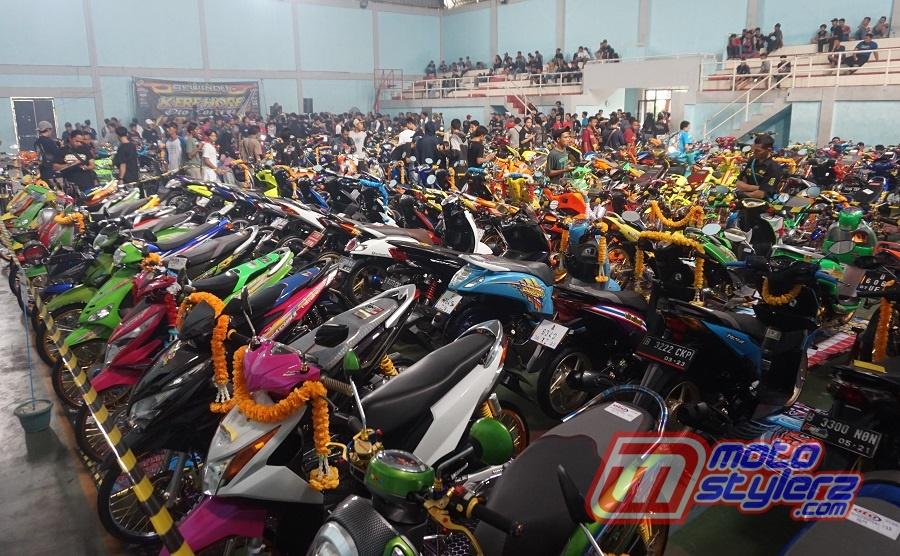 Kontes Made In Kere Hore Modified-Dipanaskan 167 Maskot Keren