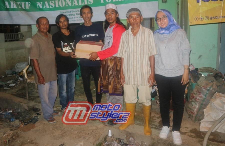 Penyerahan Bantuan MJB Kepada Warga Kampung Sumur, Pandeglang