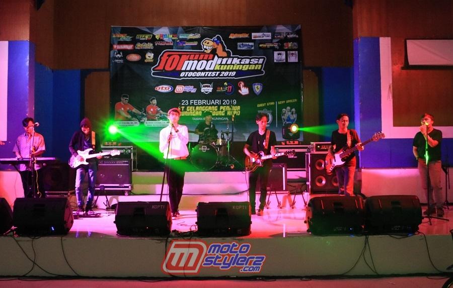 Roots Radio-Semarakan Peserta Bareng Music Reggae