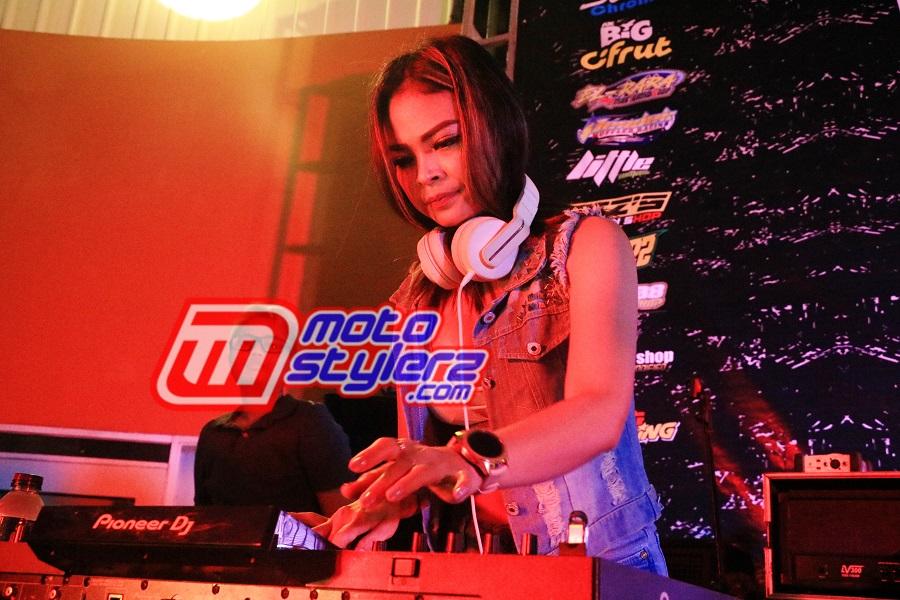 DJ Viavrilia-Sukses Manjakan All Modifstylerz