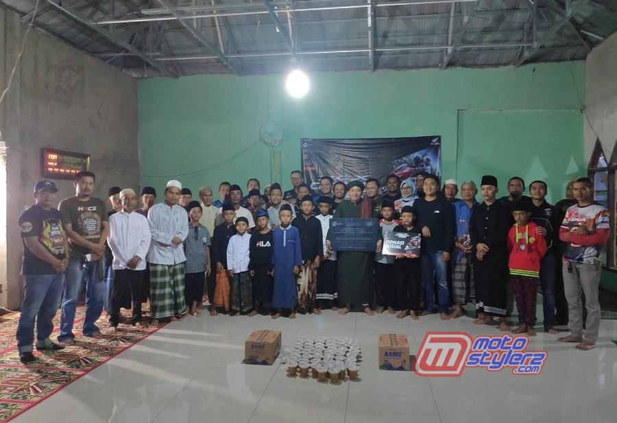 Pemberian Donasi DKM Baitul Rohman-Dilakukan Perwakilan DAM & Bikers HPCI Bandung