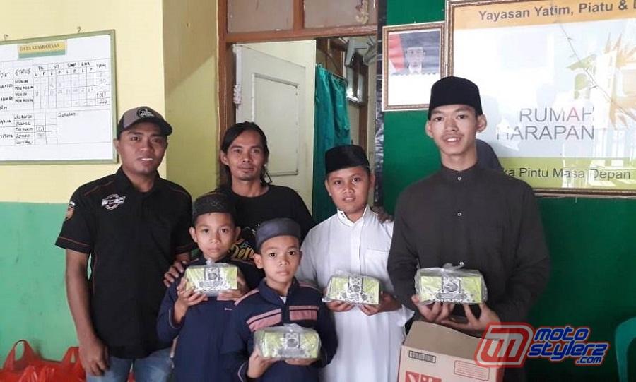 Santunan 20 Yatim Piatu & Duafa-Diserahkan Oleh Mas Pri (Owner Podo Penak'e Paint & Modified, Ditemani Abror B'CAC