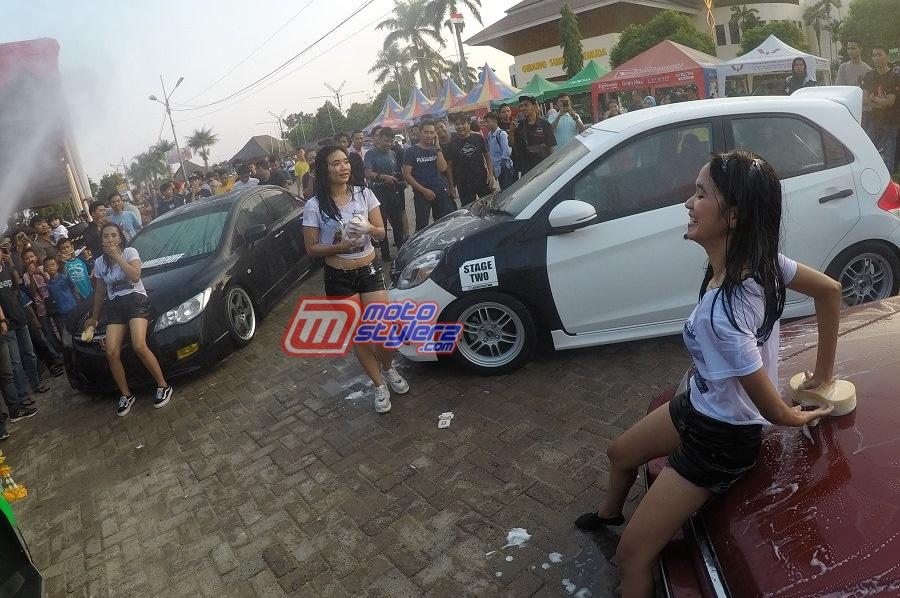 Lady Car Wash-Jadi Penyemangat Suansana Even