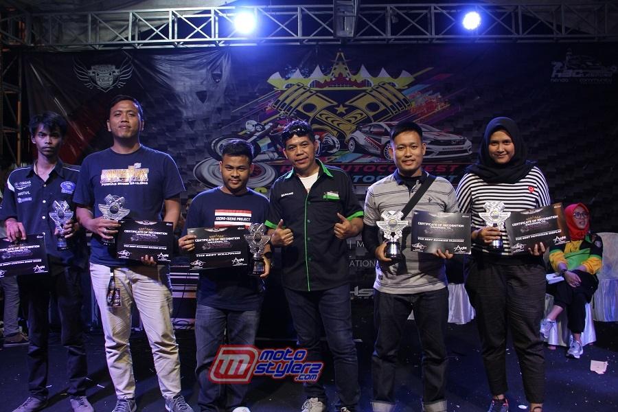 Special Awards Diserahkan Danang Sugiyatna (Founder BSC & Pembina HBC)