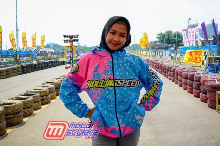 Eca Sabana-Tetap Trendy & Sporty Bareng Jacket Rolling Speed