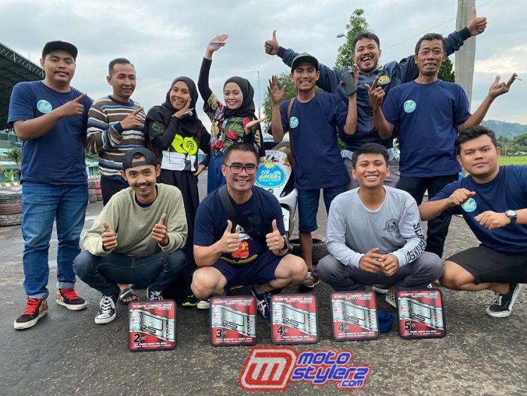 Yogi Indradi (Owner) Bersama Pembalap & Crew 69F Bikers Skuteran Racing Team
