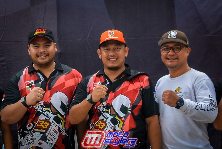 Willy Danandityo (Tengah)-Sukses Manjakan Peincta Vespa Race Tanah Air