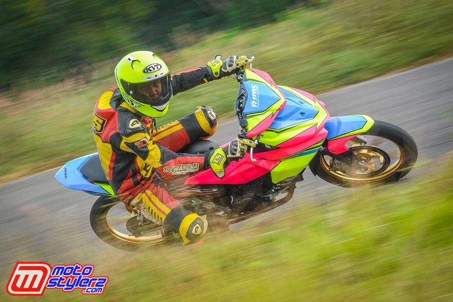 Dadan Alamsyah Saat Latihan Menggunakan Honda GTR di Sirkuit Gery Mang (Subang)
