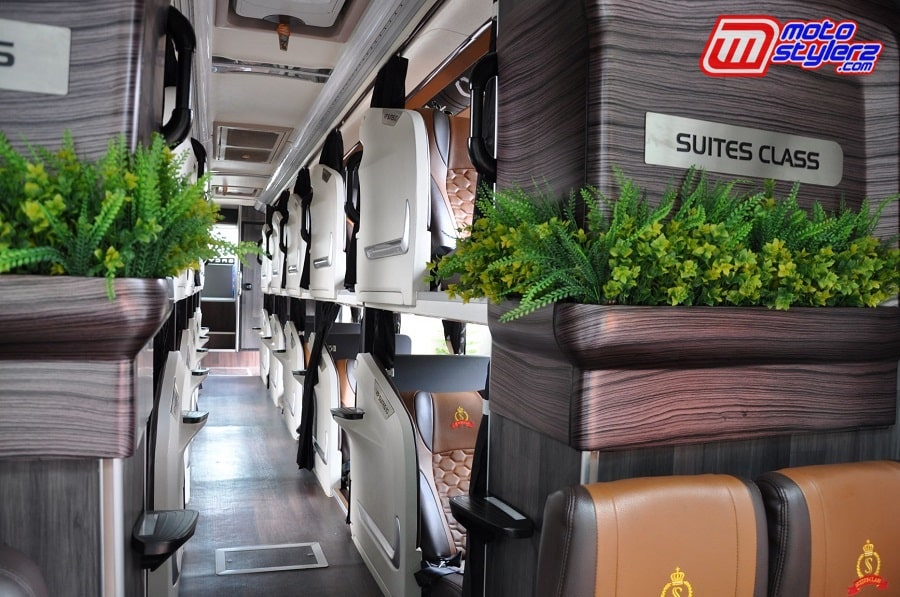 Suite Class Hino Bus PO Handoyo-Memiliki Tingkat Kenyamanan Ekstra