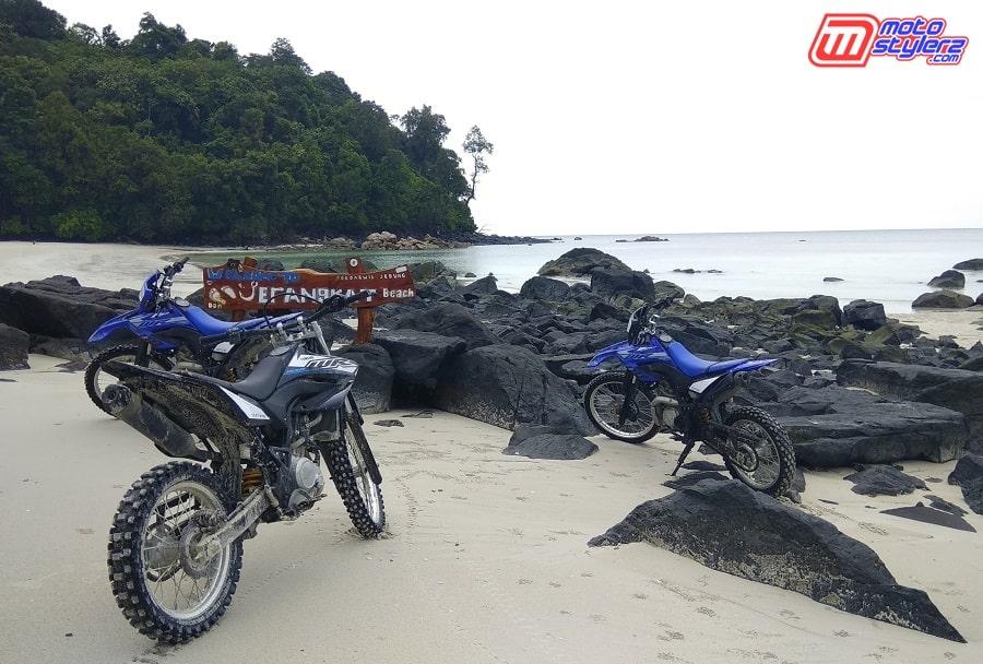 Pantai Jerangkat-Jadi Lokasi Indah Finish Momen Baksos Bareng WR 155 R