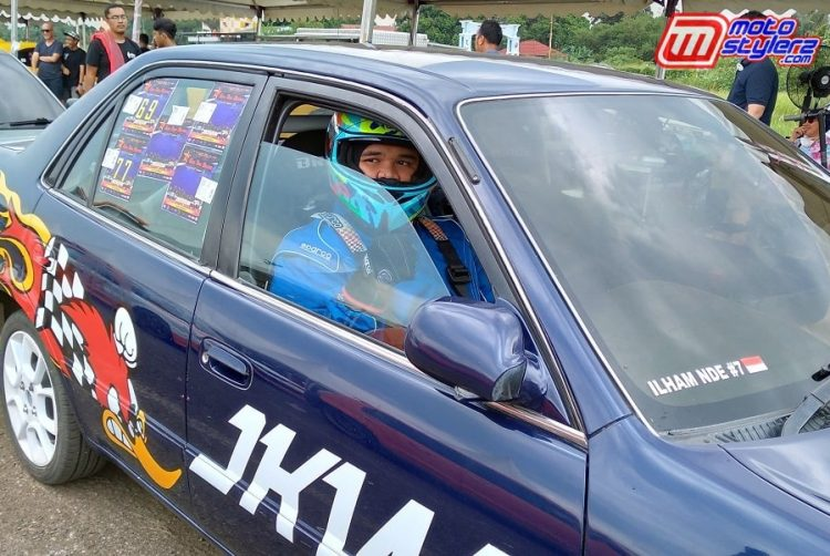 Ilham Nde (Owner tim)-Sabet Runner Up di Kelas Bracket 10 Detik Bareng Toyota Corolla