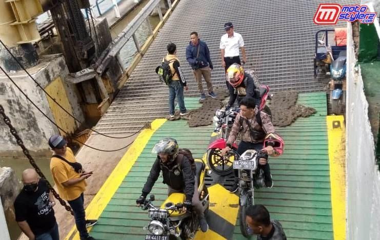 Pelabuhan Tanjung Api Api-Butuh Waktu 4 Jam Perjalanan Laut Gaess