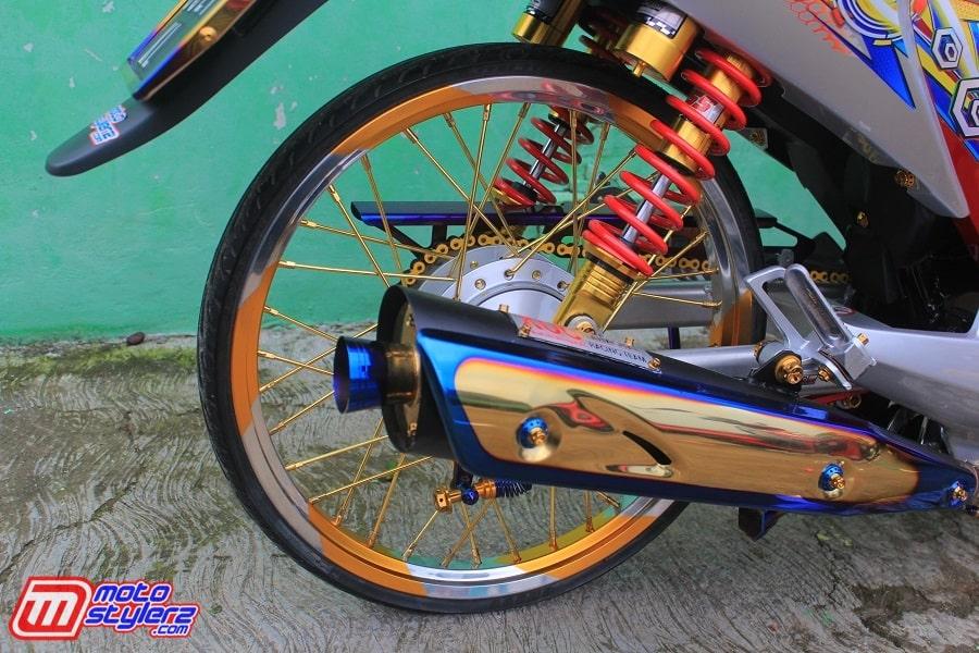 Roda Belakang-Enjoy Dikawal Ajrutan Yoko feat Arm DKT
