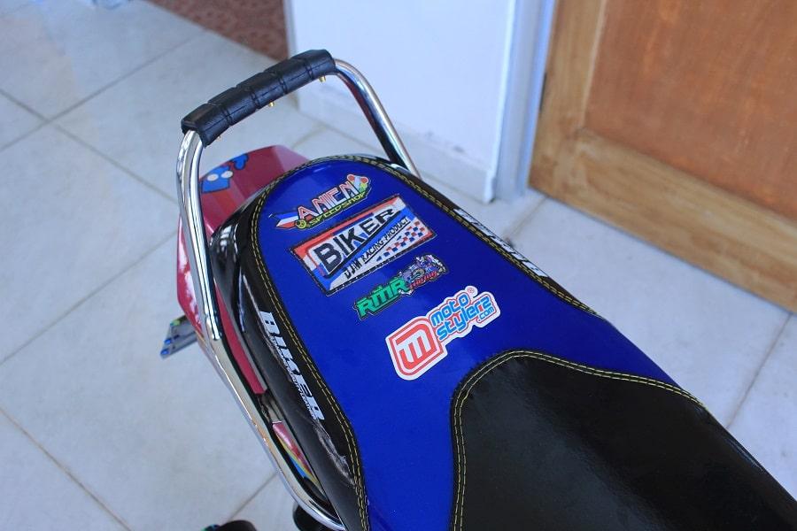 Custom Seat-Desain Makin Slim, Dibungkus Modis Glossi