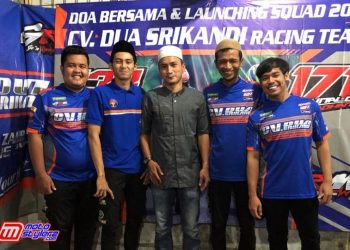 Rahmat (Manager), Damar (Pembalap), Dian (Management CV Dua Srikandi), Gogon (Mekanik) & Reynaldi (Pembalap)-Siap Bertarung Di Musim Balap 2021.