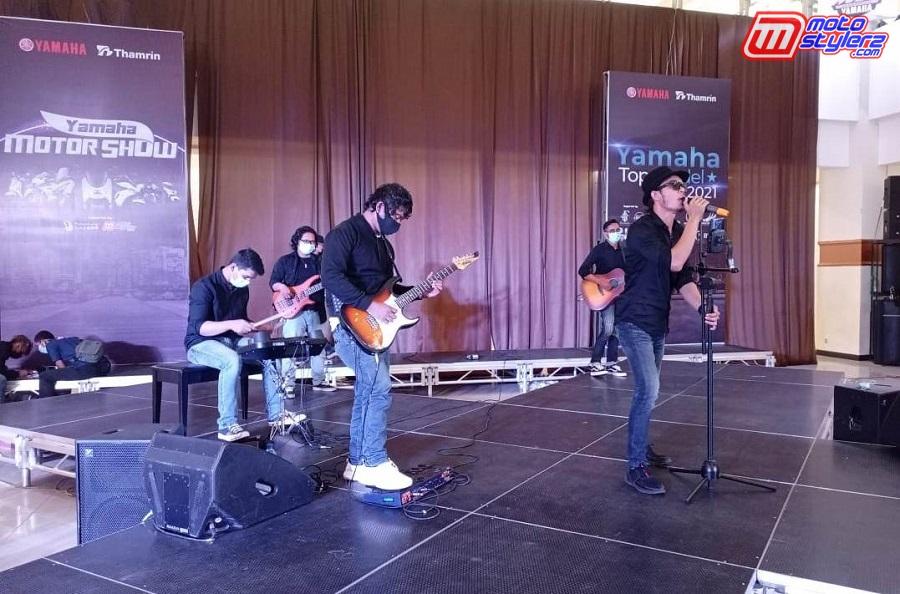 Hiburan-Kian Maksimal Bareng Band Perform