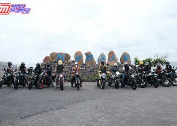 Peserta XSR 155 Motoride di Pantai Seseh (Bali)